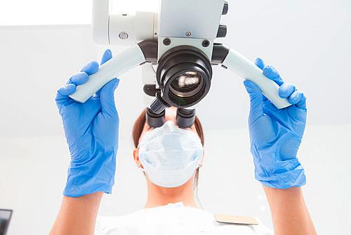 Zahnarzt Luzern Mikroskopische Wurzelkanalbehandlung